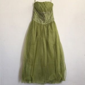 Dresses & Skirts - Beautiful Strapless beaded green long gown